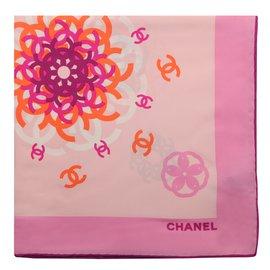 Chanel-Carrés-Rose