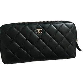 Chanel-Portefeuille-Noir