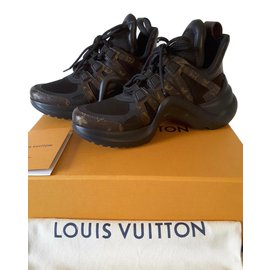 Baskets Louis Vuitton occasion - Joli Closet b8bb35581b2