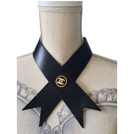 Chanel-Foulards-Noir