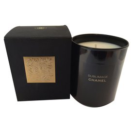 Chanel-Candle-Black