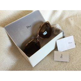 Christian Dior-Oversize-taupe,marron clair