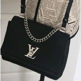 Louis Vuitton-Lockme-Noir