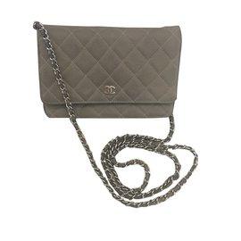 Chanel-Woc-Gris