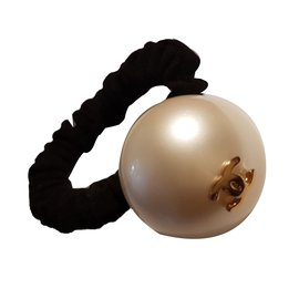 Chanel-Hair accessories-Black,Eggshell