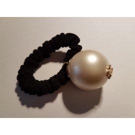 Chanel-Coco Pearl Perle VIP Poison-Noir,Blanc cassé
