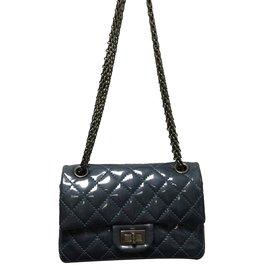Chanel-2.55-Gris