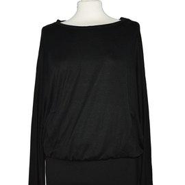 L'Agence-Robes-Noir