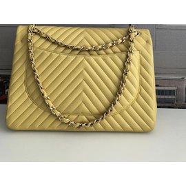 Chanel-Maxi Jumbo Chanel double flap chevron-Jaune