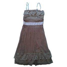 Les Petites-Dresses-Pink