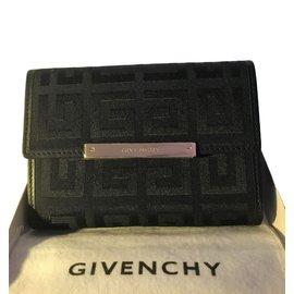 Givenchy-Portefeuille-Noir