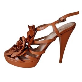 6f717b5655a9 Second hand Valentino luxury shoes - Joli Closet
