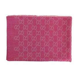Gucci-Foulard-Rose