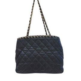 Chanel-Shopping-Black