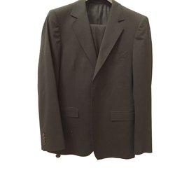 Gucci-Costumes-Noir