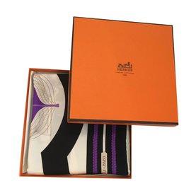Hermès-Carré de soie-Noir,Blanc,Violet