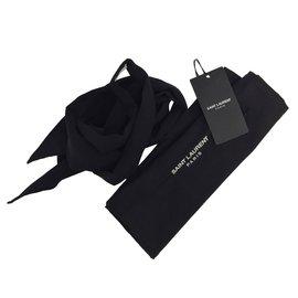 Saint Laurent-Cravate-Noir