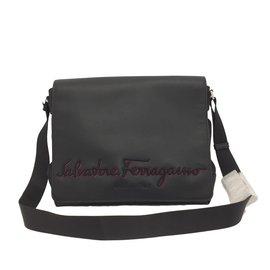 Second hand Salvatore Ferragamo Men bag - Joli Closet 77adef535a817