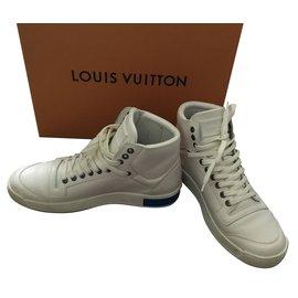 d12d31637d81 Baskets homme Louis Vuitton occasion - Joli Closet