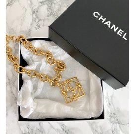 Chanel-Collier avec pendentif-Doré