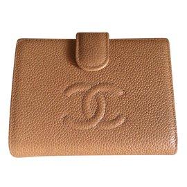 Chanel-Portefeuille Chanel en caviar beige-Beige
