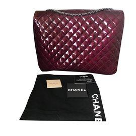 Chanel-2.55-Bordeaux