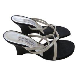 0f6e323e81d6 Second hand Balenciaga luxury shoes - Joli Closet