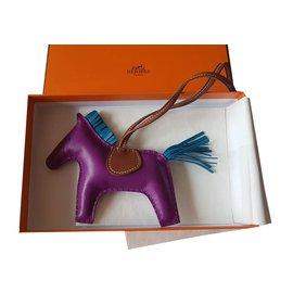 Hermès-Bijoux de sac Rodeo-Violet