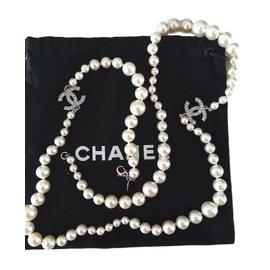 Chanel-Sautoirs-Blanc cassé