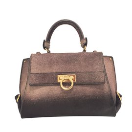 06485c27e9ce Second hand Salvatore Ferragamo Luxury bag - Joli Closet