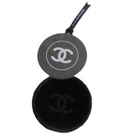 Chanel-Miroir-Noir