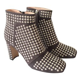 Christopher Kane-Stiefel-Taupe