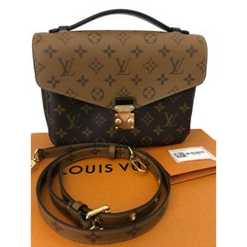 Louis Vuitton-Metis-Caramel
