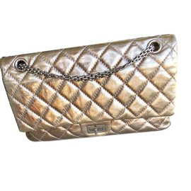 Chanel-2.55-bronze