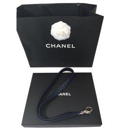 Chanel-Porte-clés ou porte-badge-Bleu Marine
