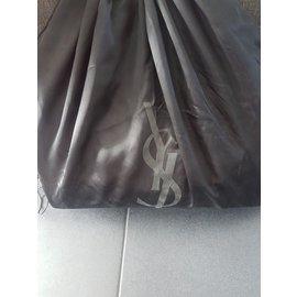 Yves Saint Laurent-Handtaschen-Schwarz