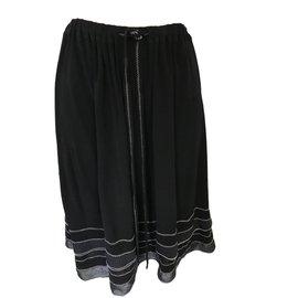 Chanel-Jupes-Noir