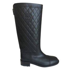 Chanel-Bottes-Noir