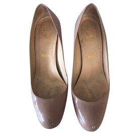 a9e69509053e Second hand Women Sandals - Joli Closet