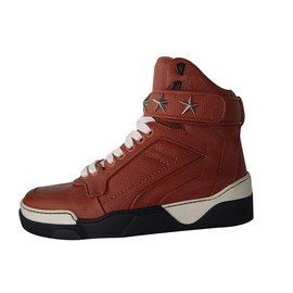 Givenchy-sneakers-Brown