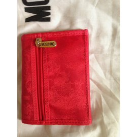 Moschino-portefeuilles-Rouge