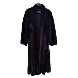 Yves Saint Laurent-Manteau en vison-Noir