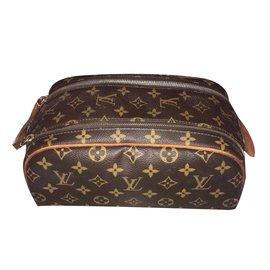 a494dff33d19 Second hand Louis Vuitton Wallets Small accessories - Joli Closet