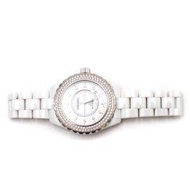 Chanel-Montres-Blanc