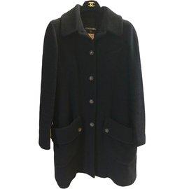 Chanel-Manteaux-Noir