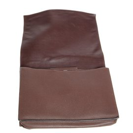 Hermès-Sac en bandoulière en cuir-chocolat