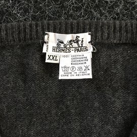 Hermès-Knitwear-Multiple colors