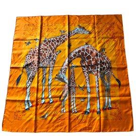 Hermès-Carré de soie « les girafes »-Orange ... 1845e6d09d8