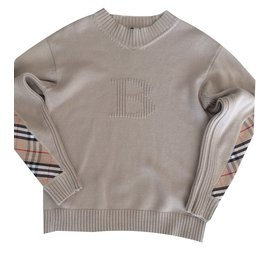 Burberry-Pull-Beige