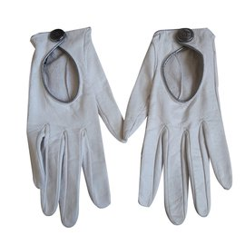 Chanel-Gloves-White